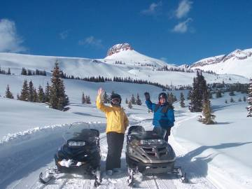 Snowmobile Adventur