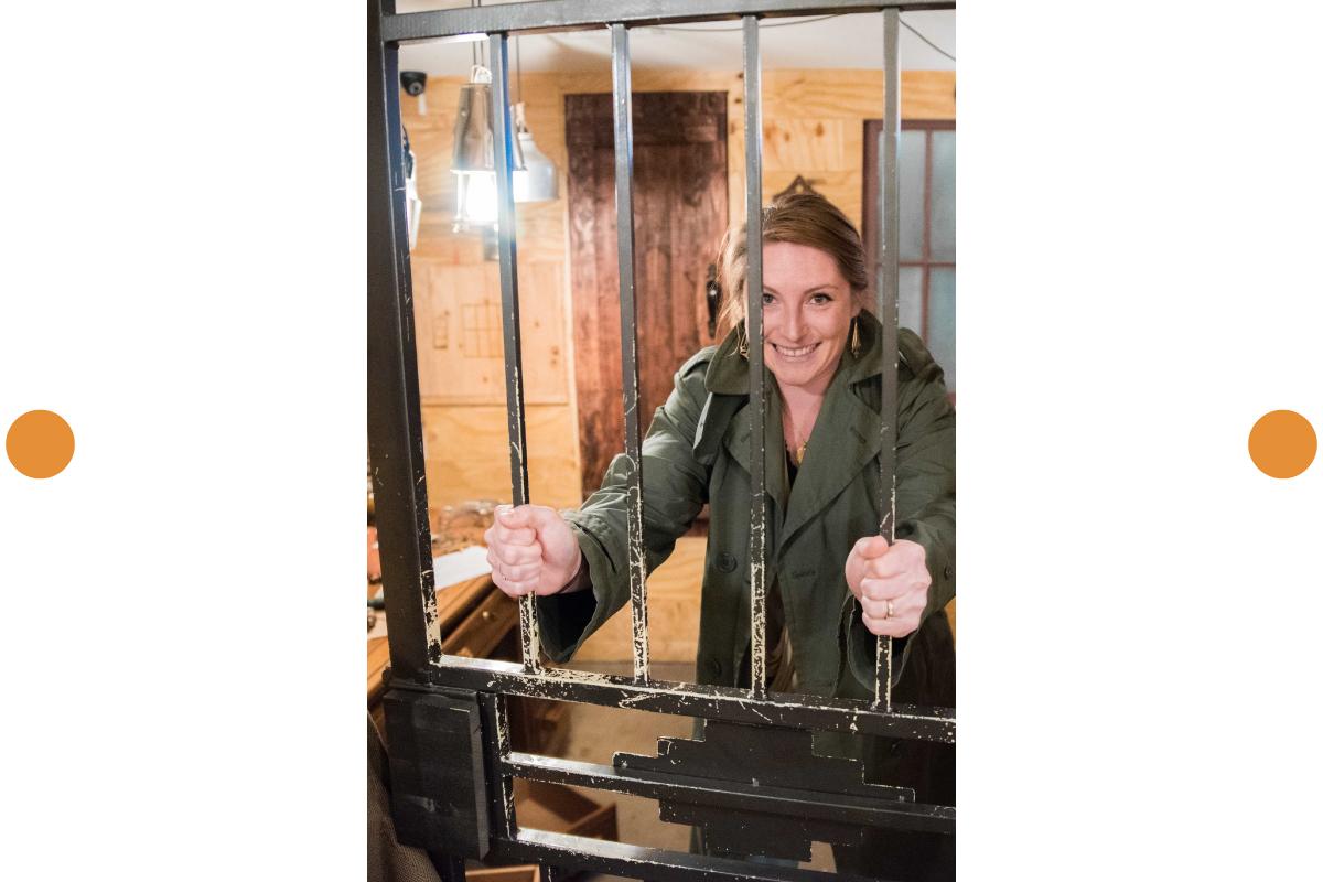 Hanna Pierce Behind Bars