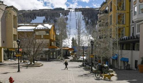 Vail Resorts reports slump in skier visits, lift ticket revenue
