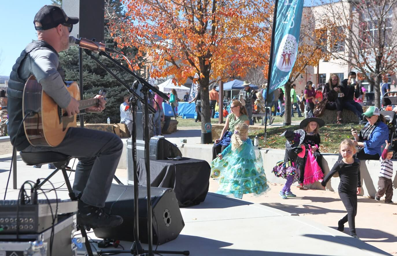 Dave Mensch play live music at the three springs fall festival